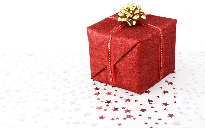 ESSENTIALS: Tech-addict's Christmas gift ideas